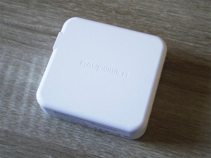 RAVPowerモバイルバッテリー_本体