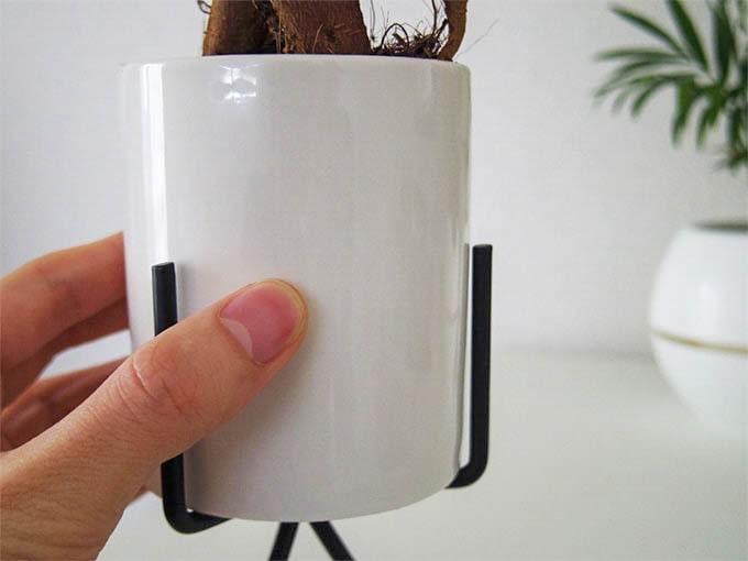 スタンド付き鉢_陶器製の素材
