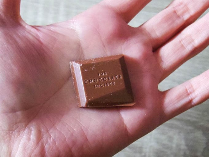 THE-CHOCOLATE-SOCIETY_一粒のサイズ