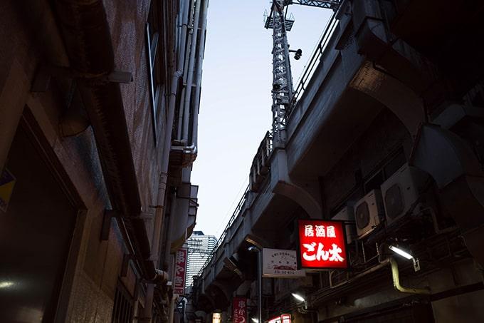 RICOH GR III(GR3)スナップ写真_三宮駅高架下