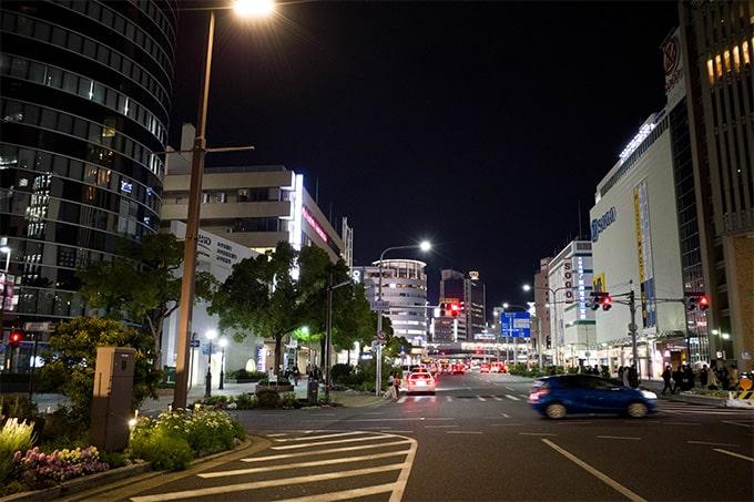 RICOH GR III(GR3)スナップ写真_三宮の道路
