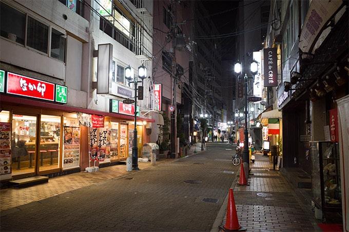 RICOH GR III(GR3)スナップ写真_元町の飲食街
