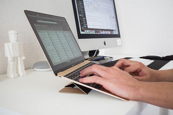 MacBook-12インチ_家での作業風景