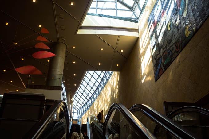 国立国際美術館(大阪)_館内エスカレーター