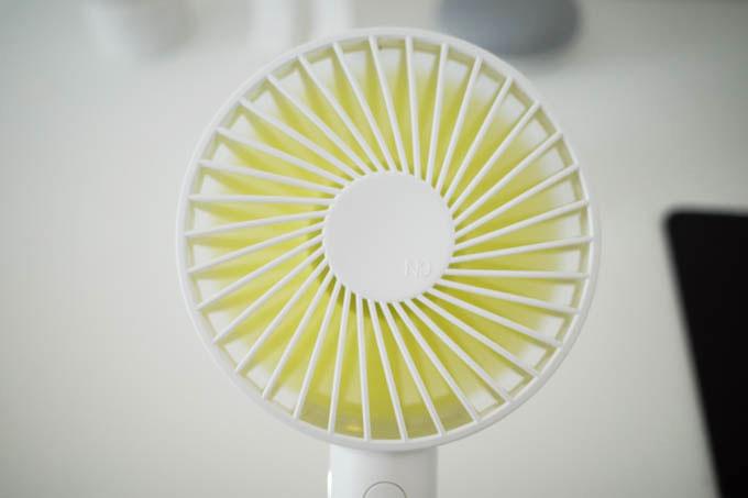 携帯扇風機(ハンディファン)_風量は3段階調節可能