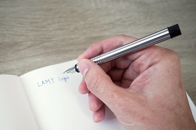 LAMY logo(ラミー ロゴ)_キャップなしで書く