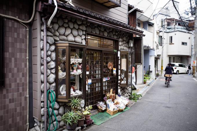GRIII(GR3)中崎町フォトウォーク_石造り風の店舗