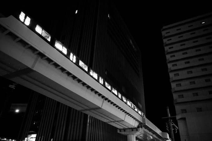 GRIII(GR3)ハイコントラスト白黒作例_電車