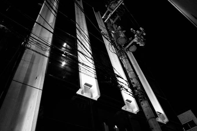 GRIII(GR3)ハイコントラスト白黒作例_電柱と光