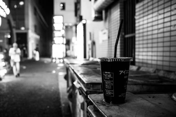 GRIII(GR3)ハイコントラスト白黒作例_アイスコーヒー