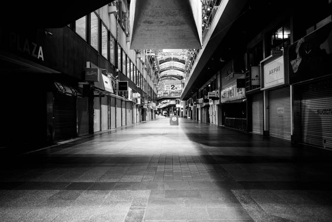 GRIII(GR3)ハイコントラスト白黒作例_三宮センター街