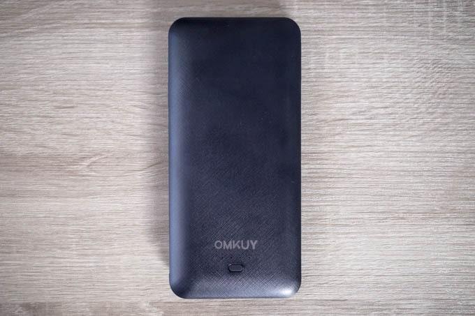 OMKUY-10000mAhモバイルバッテリー_ミニマルなデザイン