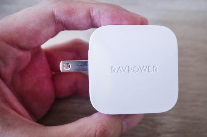 RAVPOWER(ラブパワー)_RP-PC121_コンセントプラグ展開