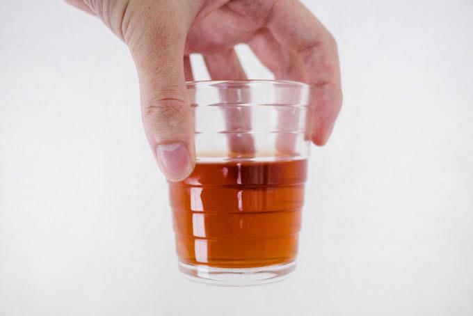 iittala(イッタラ)アイノ・アアルト_紅茶を入れた状態