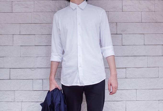 ユニクロ イージーケアジャージーシャツ_正面からの着用写真