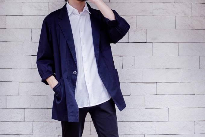 ユニクロ イージーケアジャージーシャツ_ジャケットと合わせる