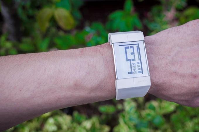 FOSSIL Philippe Starck(フィリップ スタルク) PH1111_腕につける