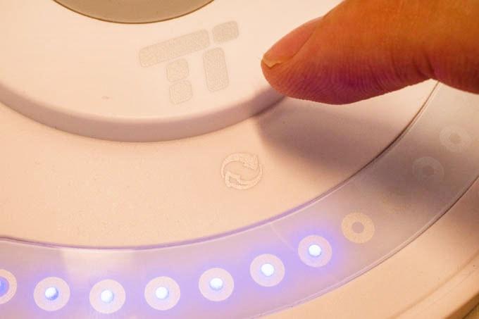 TaoTronics−LEDデスクライト_色温度もタッチで調整