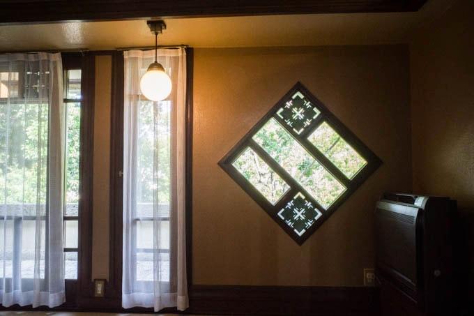 ヨドコウ迎賓館(旧山邑家住宅)_象徴的な窓