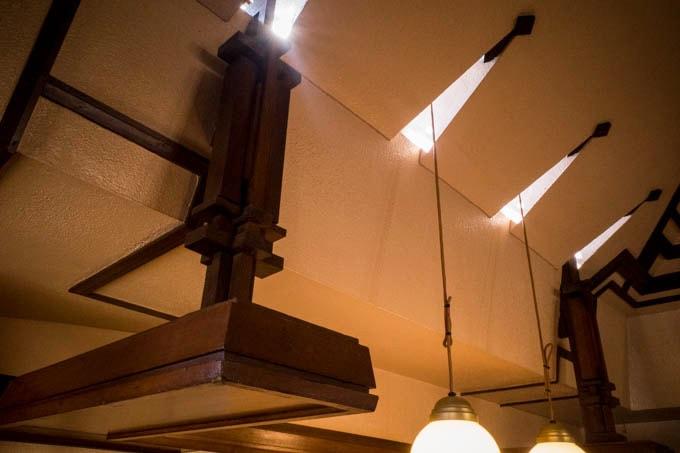 ヨドコウ迎賓館(旧山邑家住宅)_光の差し込む開口