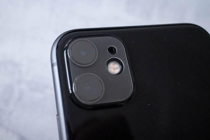 iPhone11カメラ保護用ガラスフィルム1
