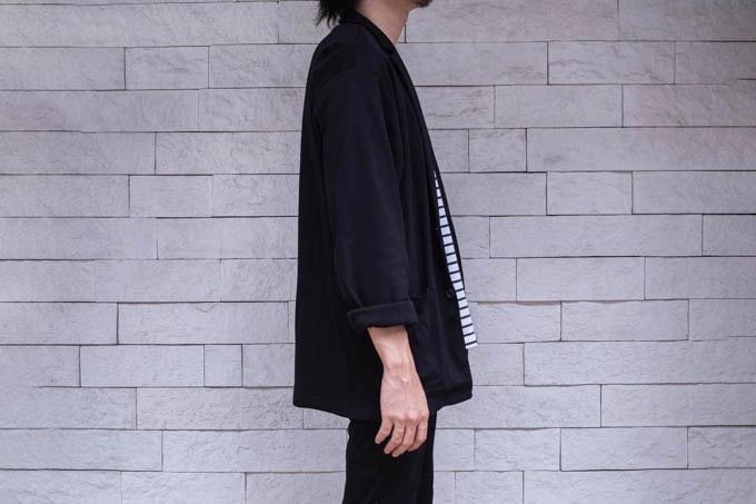 GUライトカットソージャケット_着用写真(横)