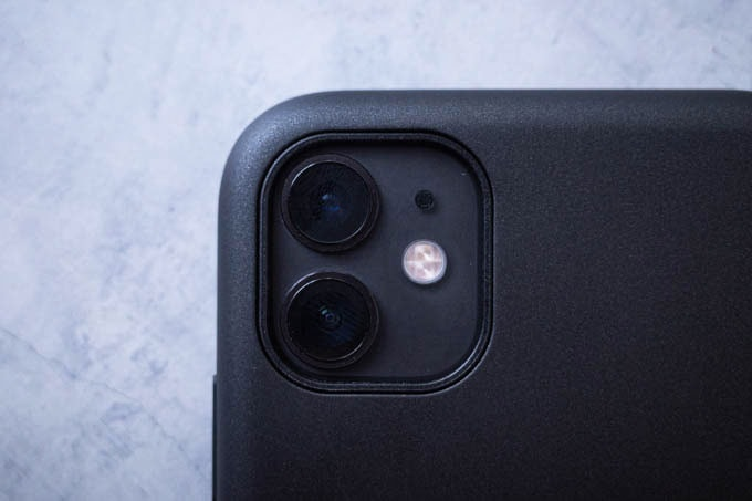Smooth Touch Hybrid Case for iPhone11_カメラ部分