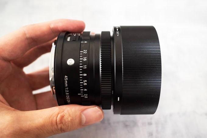 Contemporary 45mm F2.8 DG DN_全体のデザイン