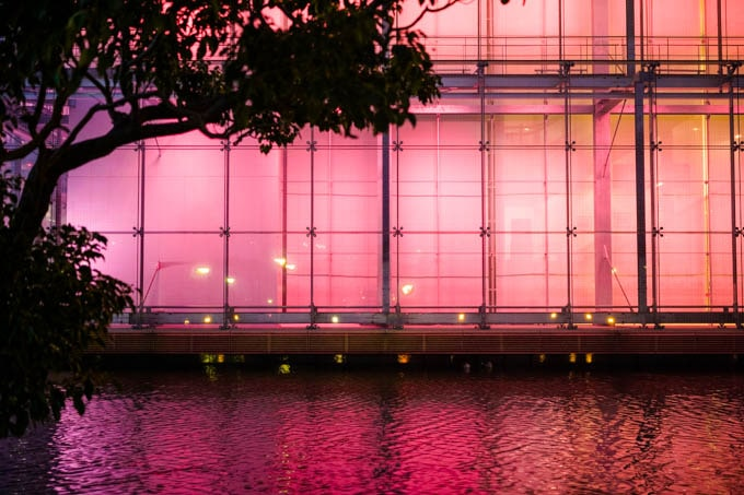 SIGMAfp(シグマエフピー)_ピンクの照明