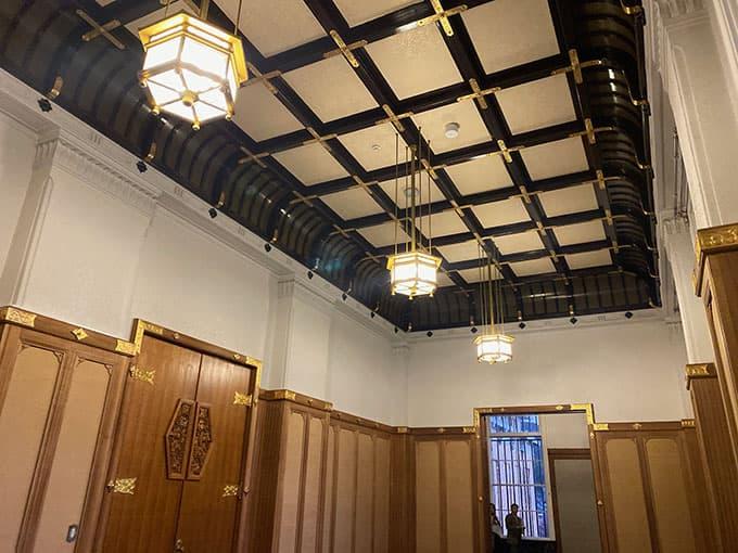 京都市京セラ美術館_レトロな天井
