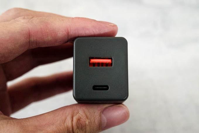 SlimQ-65W-PD充電器_USB-CとUSB-A