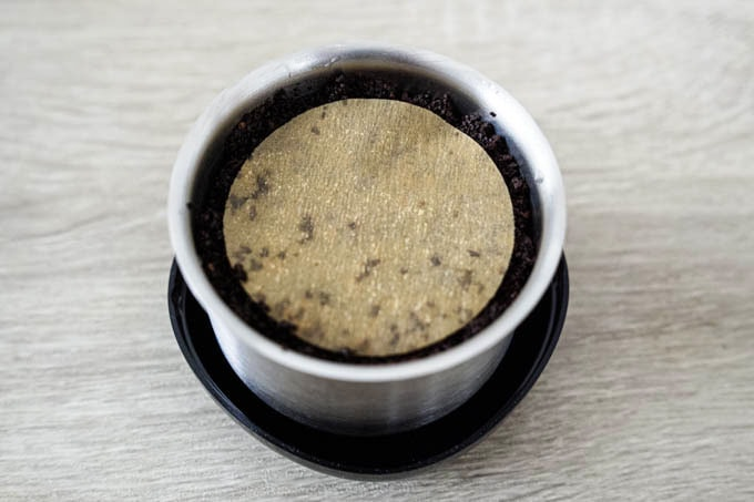 wiswell(ウィズウェル)コーヒーサーバー_コーヒー粉を蒸らす02