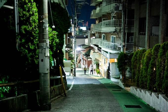SIGMA fp(シグマエフピー)-神戸北野写真(夜)_坂01