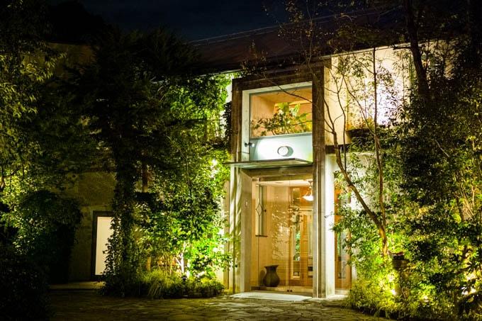 SIGMA fp(シグマエフピー)-神戸北野写真(夜)_施設のファサード