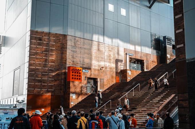 SIGMAfpティールオレンジin京都_京都駅階段