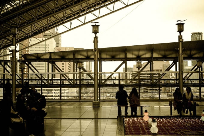 SIGMAfpレトロモード_昼の大阪駅2