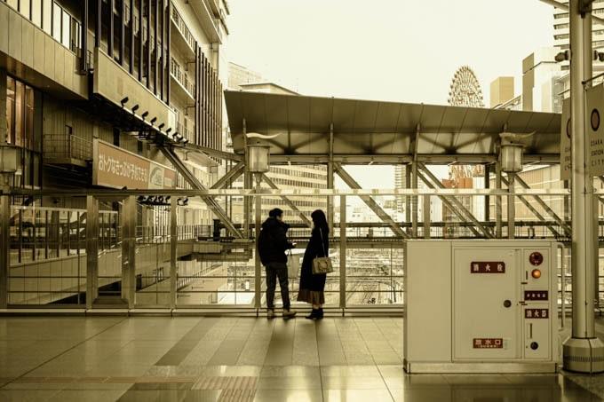 SIGMAfpレトロモード_昼の大阪駅3