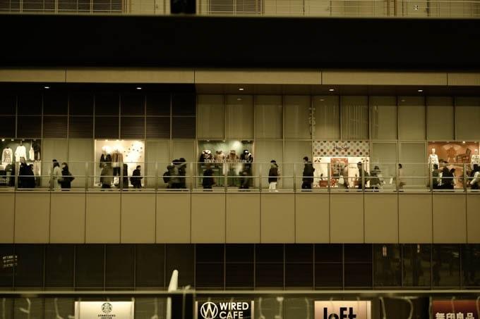 SIGMAfpレトロモード_昼の大阪駅7