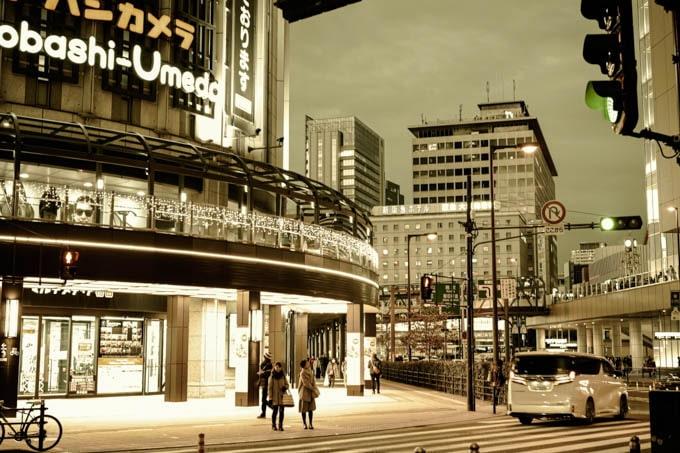 SIGMAfpレトロモード_大阪駅2