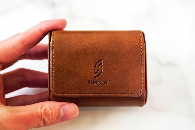 SIMGOT-EM2_付属のレザーケース1
