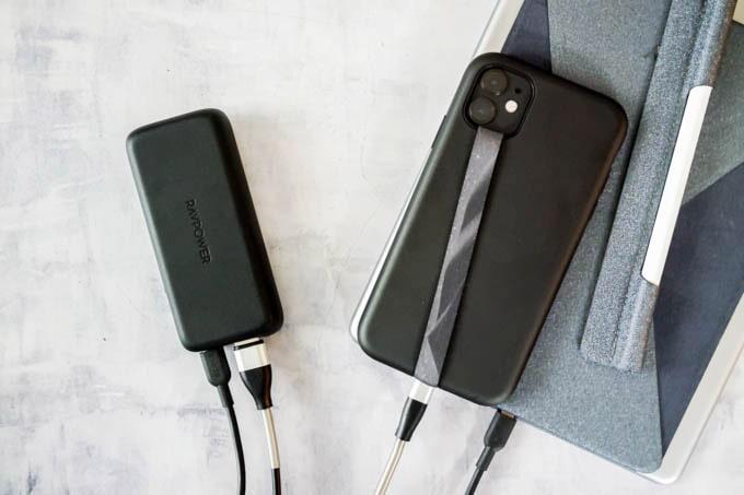 RAVPOWER(ラブパワー)_RP-PB186モバイルバッテリー_iPadとiPhoneを同時充電