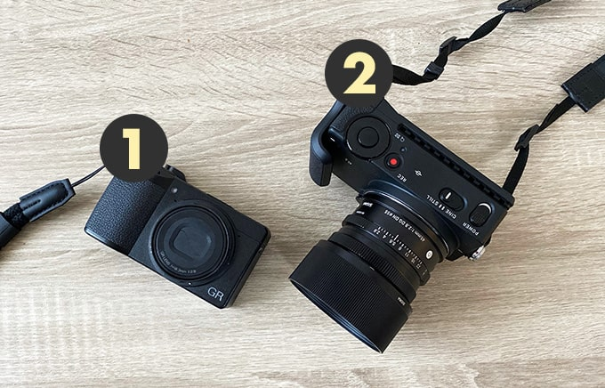現役デザイナーのカバンの中身-2020年版_カメラ2種