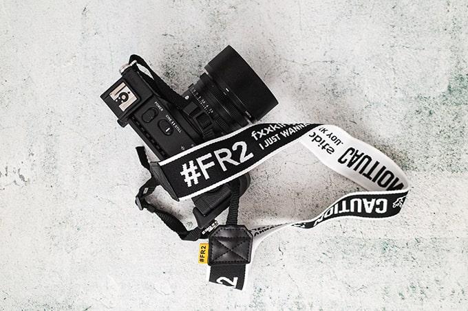 #FR2カメラストラップ_SIGMAfpに取り付け