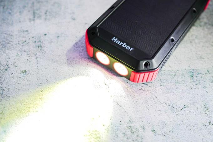 Harbor多機能モバイルバッテリー_フラッシュライト