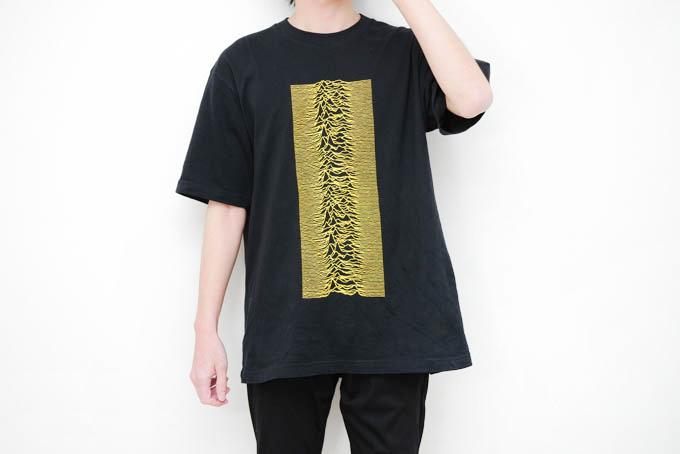 ユニクロ_ピータサヴィルTシャツ