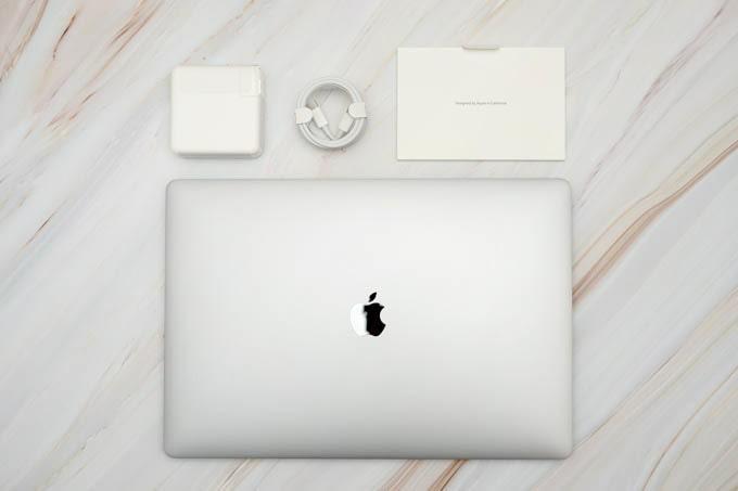 MacBookPro16インチ_付属品