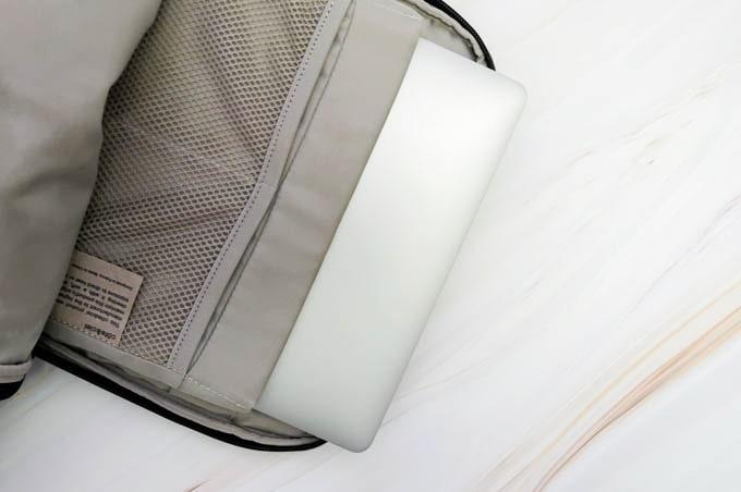 MacBookPro16インチ_コートエシエルバックパックに入れる