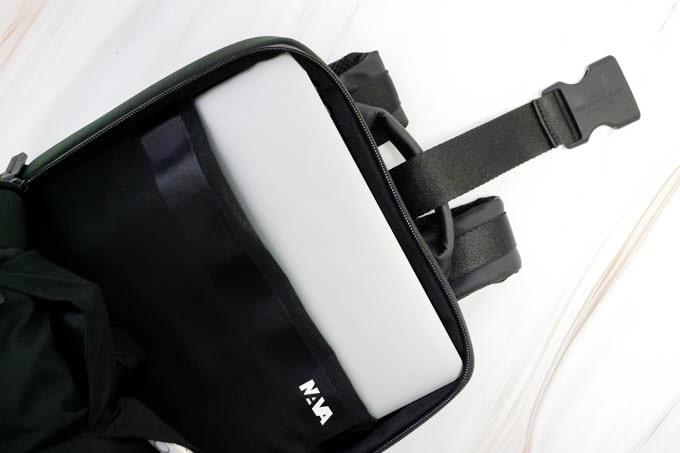 MacBookPro16インチ_NAVAバックパックに入れる