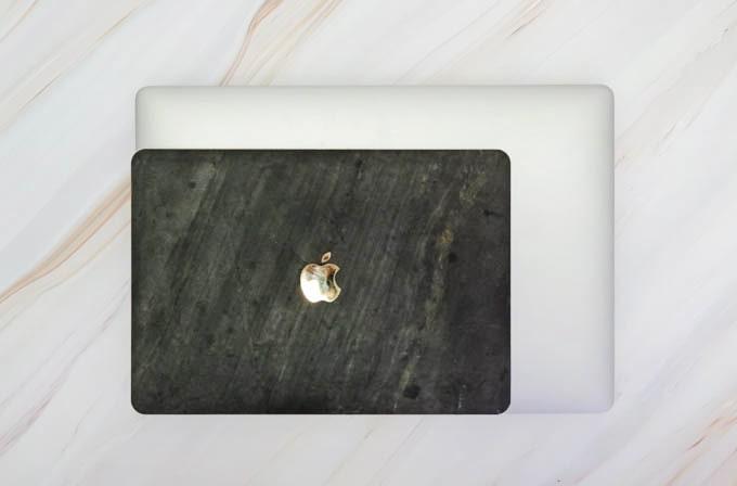MacBookPro16インチ_12インチとのサイズ比較