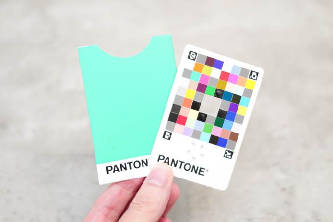 PANTONEカラーマッチングカード